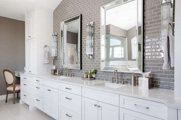 Transitional master bathroom design