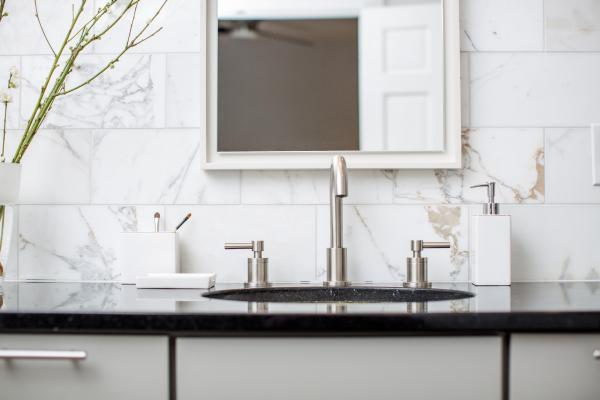 Undermount sink and modern faucet