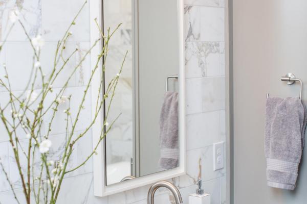 Marble vanity backsplash