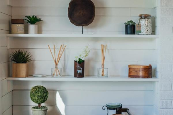 Sunroom shelving detail