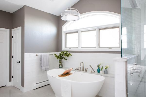 Transitional master bathroom design
