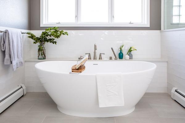 Detail of freestanding tub