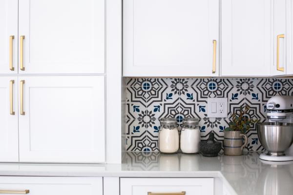 counter set cabinets and backsplash detail