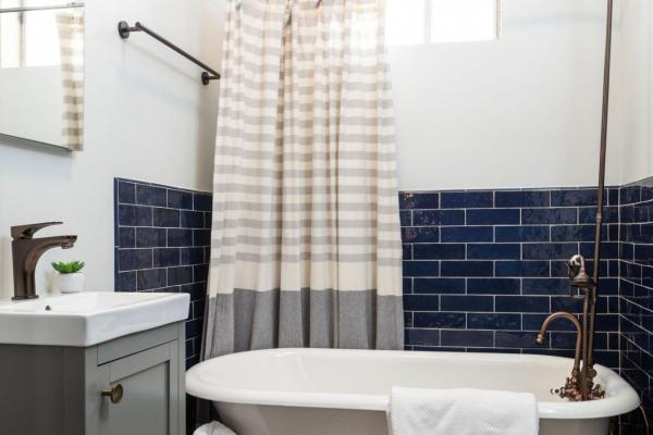 kids bathroom with clawfoot tub