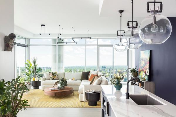 Vew of living room with city view